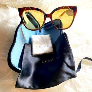 Gucci Novelty signature cat eye sunglasses. New!